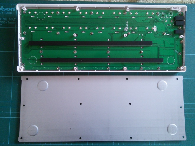 Arturia Beatstep: inner rear