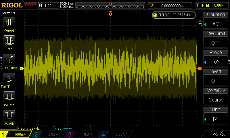 White Noise output from first stage buffer with DC offset removed