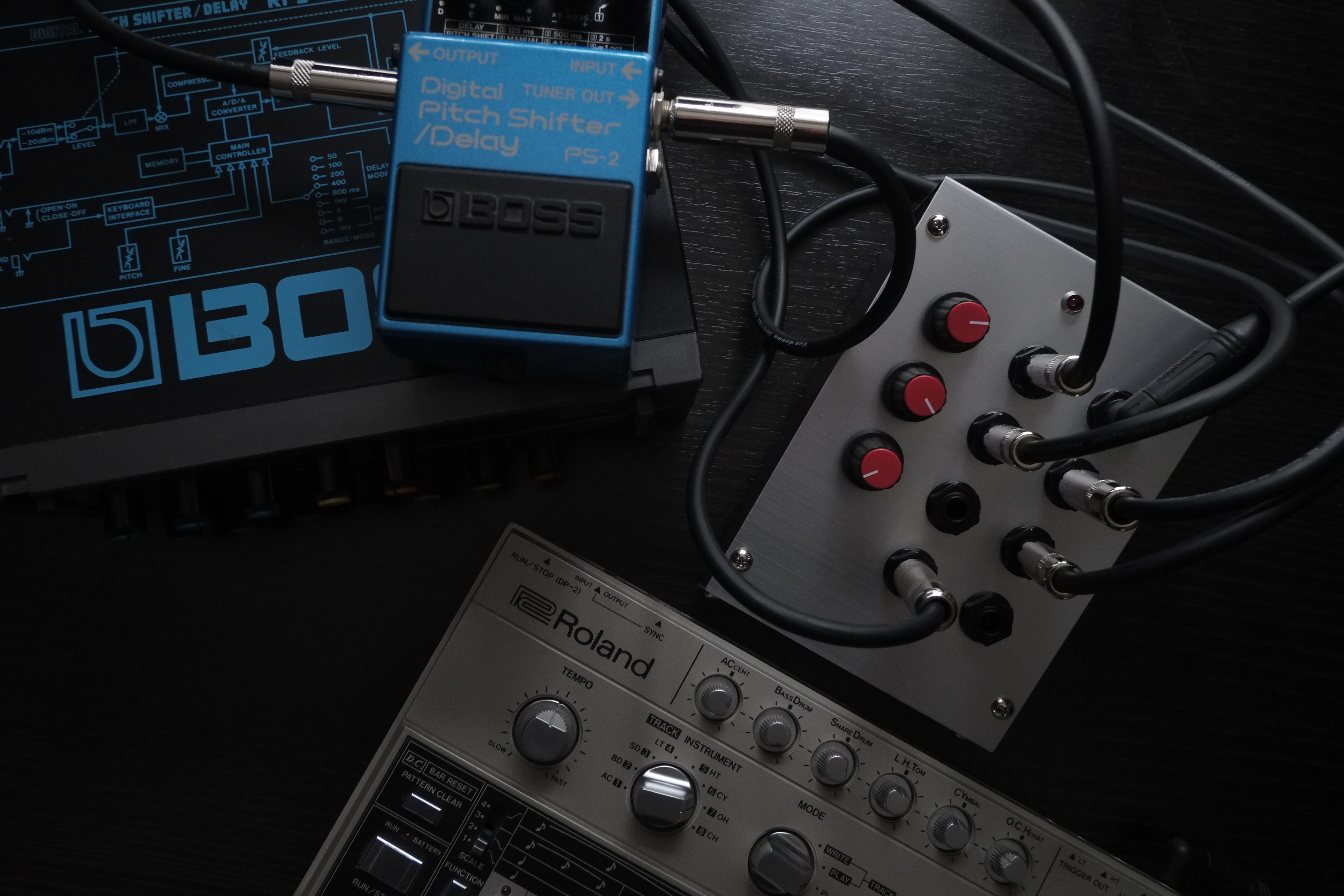 Photo of DIY 9 volt Stompbox Mixer in use